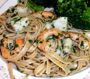 Creamy Fettuccine with Shrimp and Scallops Recipe Photo