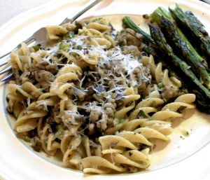Pasta with Turkey and Mushroom Ragu Recipe Photo